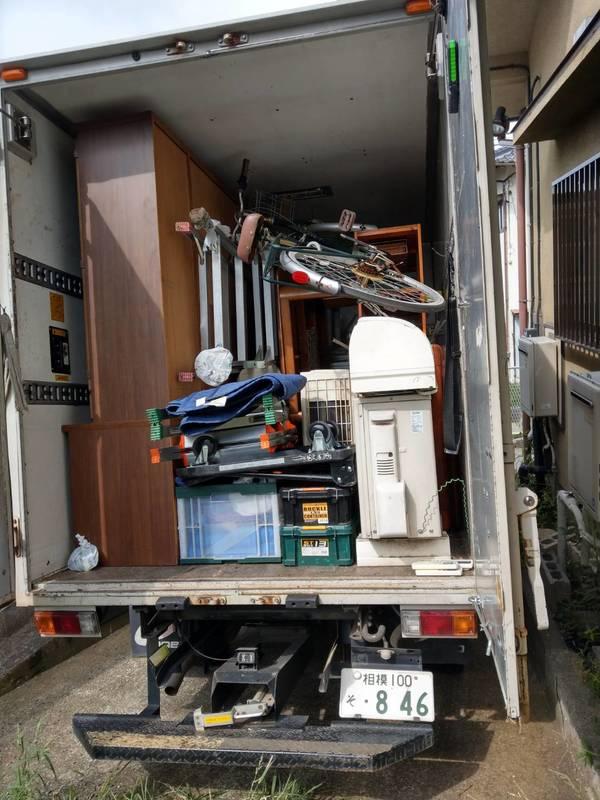 伊勢原市でエアコンや食器棚、大型冷蔵庫などを回収しましたのサムネイル