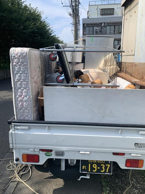 東京都三鷹市で冷蔵庫や洗濯機、ベッドの回収をしましたのサムネイル