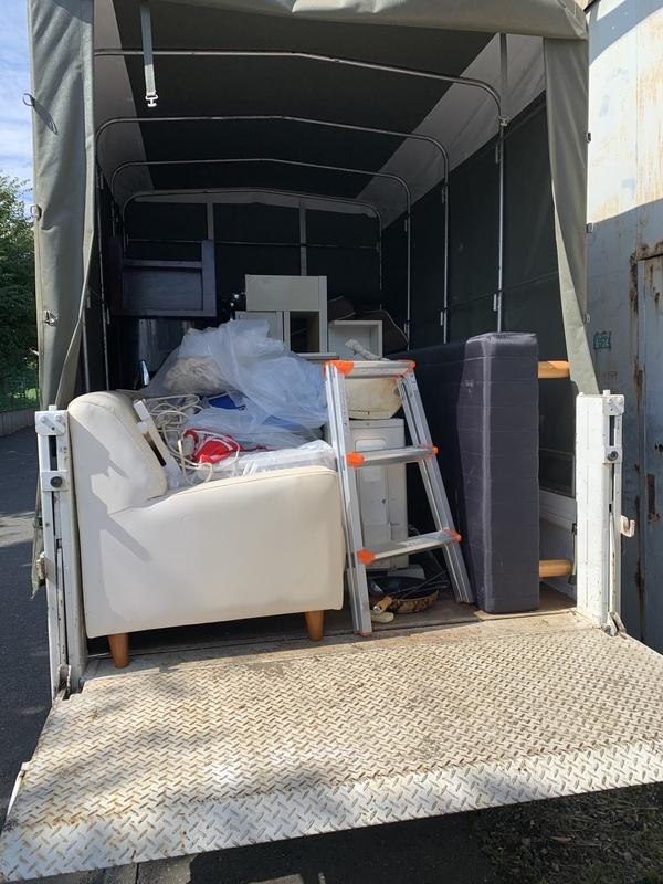 茅ヶ崎市にて冷蔵庫やベッド、エアコンなどの回収をしましたのサムネイル