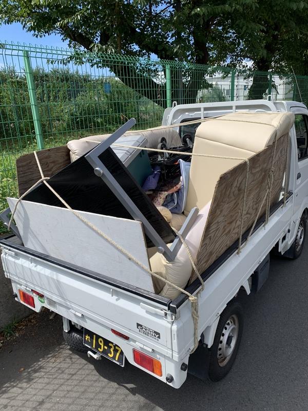 川崎市幸区でテーブルやソファー、布団などの回収をしましたのサムネイル