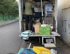 東京都立川市で、古紙やプラスチック、ビニールなどの回収をしました