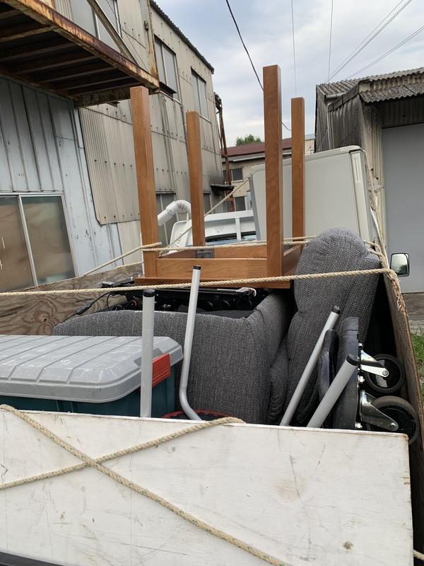鎌倉市で冷蔵庫やソファー、テーブルなどの回収をしましたのサムネイル