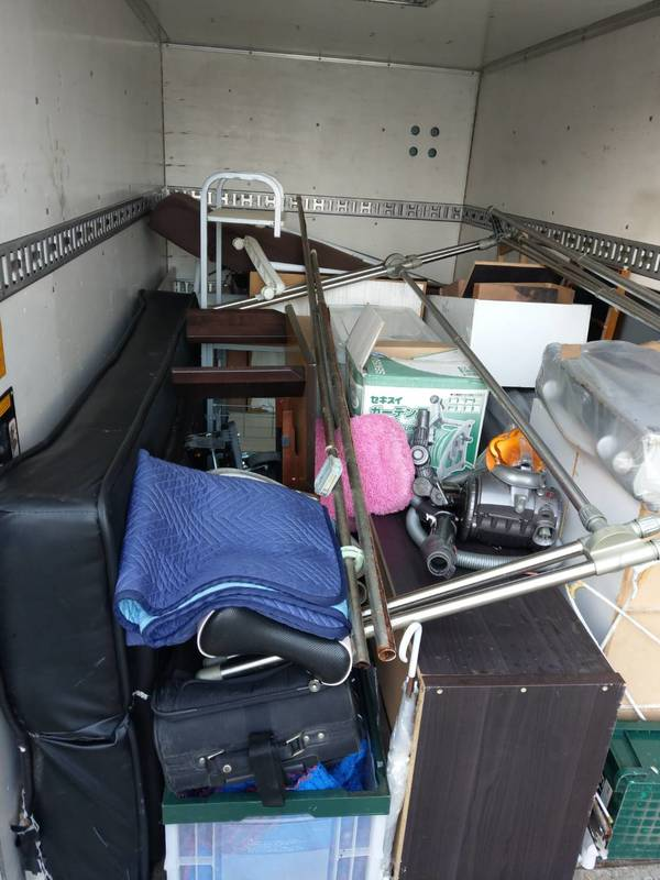 東京都台東区にて食器棚やソファーベッドなどの回収をしましたのサムネイル