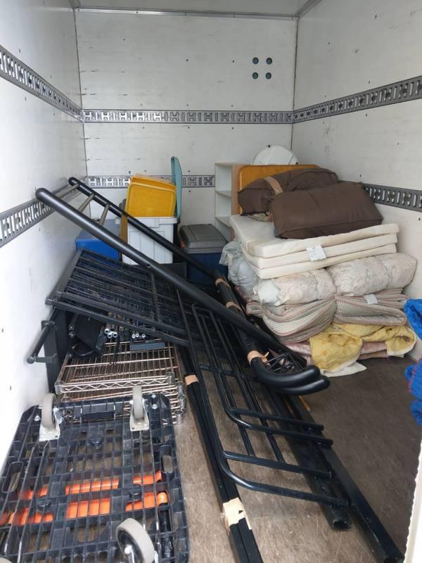 東京都練馬区でロフトベッドやメタルラック、布団などを回収しましたのサムネイル