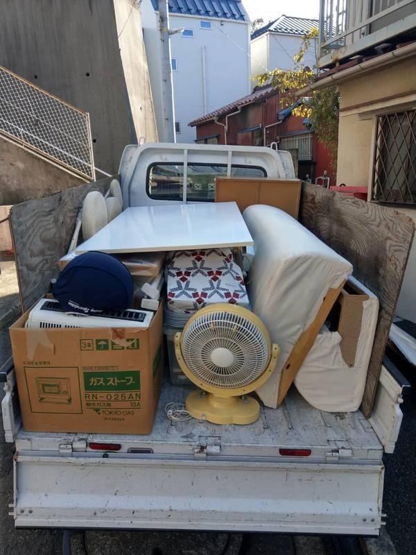 川崎市川崎区にてテーブルやソファー、衣装ケースなどの回収をしましたのサムネイル