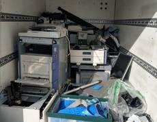 東京都千代田区にて複合機やパソコンなどの回収をしました