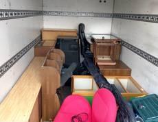 横浜市中区にて学習机や本棚、タンスなどの回収をしました