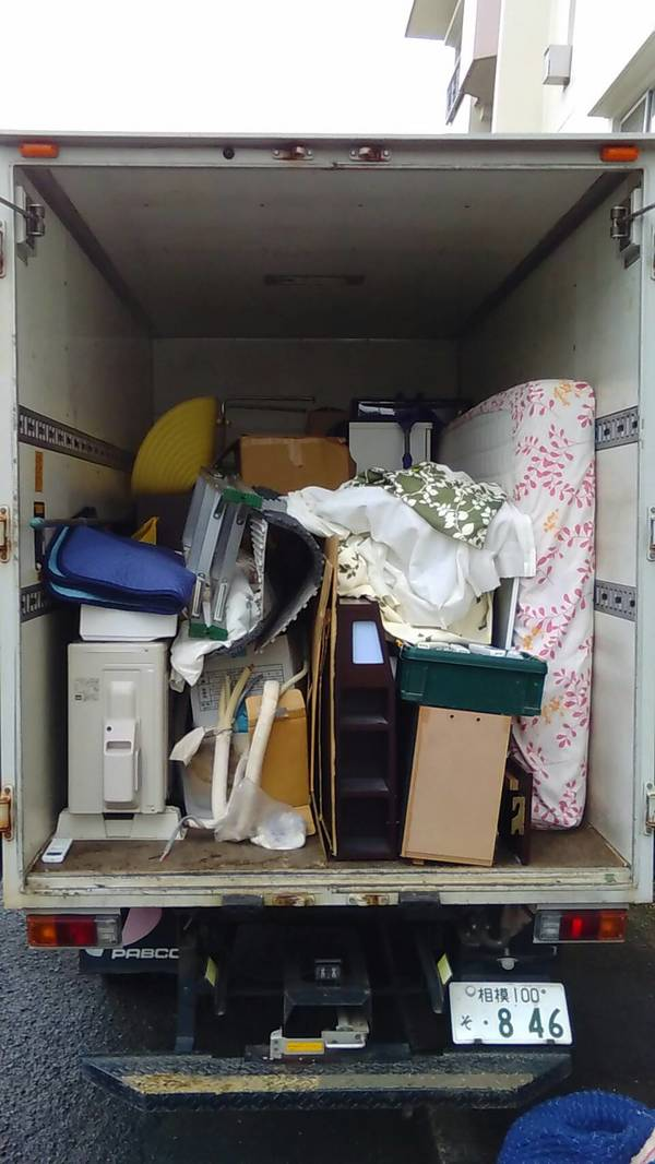 横浜市港北区でエアコン、ベッド、タンスなどの回収をしましたのサムネイル